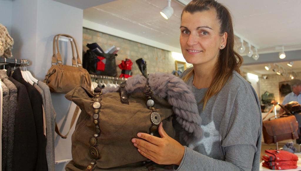 Wegbegleiter und tolles Accessoire: Die Handtasche - Conny Budde zeigt die neue Kollektion