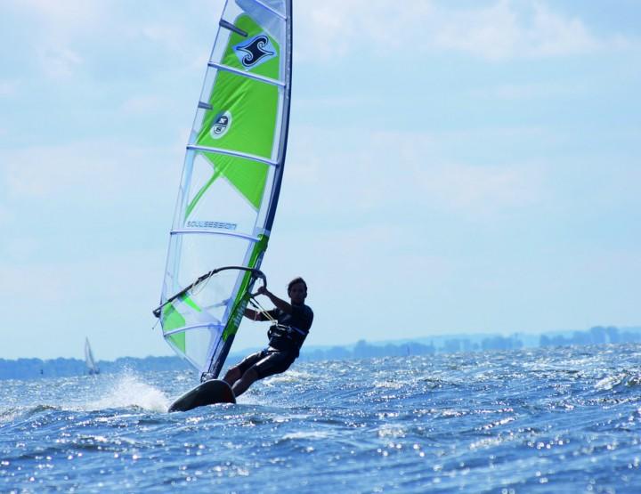 Aktiv auf dem Wasser - Surfen, Segeln, Tauchen und Co.
