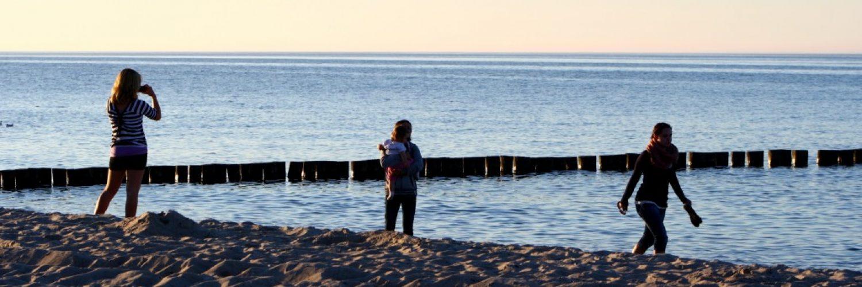 Familie Kinder Strand Dämmerung
