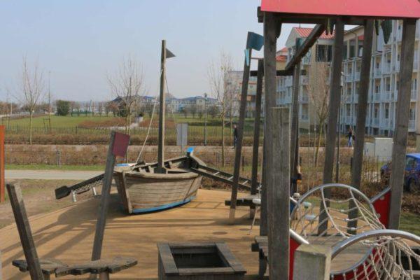 Spielplatz neben dem Morada Spielplatz an der Promenade © Tourismus GmbH